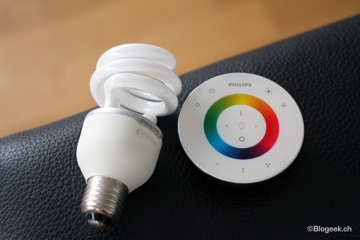 Test lampes philips livingcolors et ampoules smart link blogeek - Luminaire avec telecommande ...
