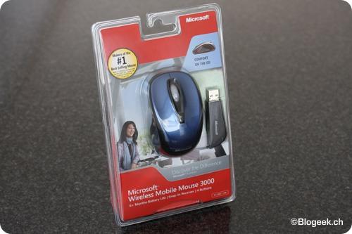 9b765646d90 La Microsoft Wireless Mobile Mouse 3000 est une souris sans-fil d'un  gabarit assez réduit. Une petite souris sympathique pour une utilisation  d'appoint avec ...