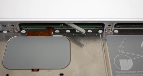 macbook comment changer la ram et le disque dur blogeek. Black Bedroom Furniture Sets. Home Design Ideas