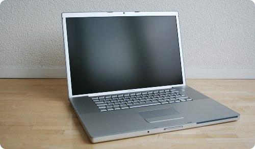 test apple macbook pro 17 2 33 ghz core 2 duo blogeek. Black Bedroom Furniture Sets. Home Design Ideas